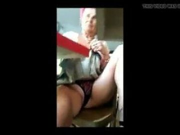 Granny Mary Pussy flash